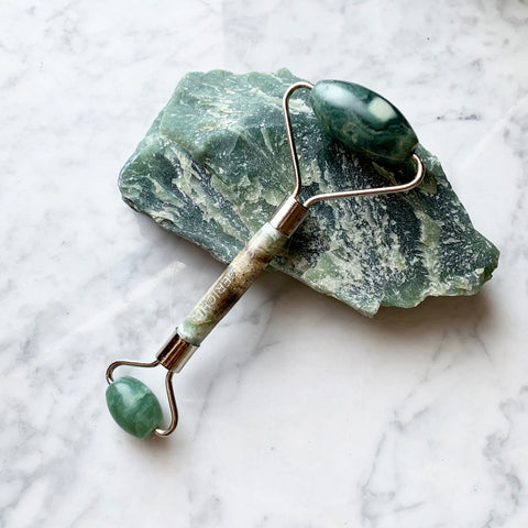 Jade Chi Anti Age Stone Roller with FREE Sample!