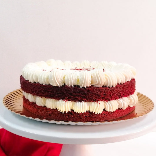 Bolo Red Velvet com Doce de Morango Strawberry