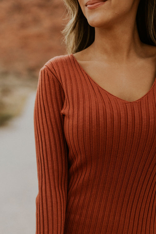 THE AVA RIBBED LONG SLEEVE DRESS IN BRICK