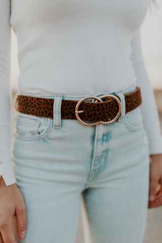THE DOUBLE RING BELT IN BROWN