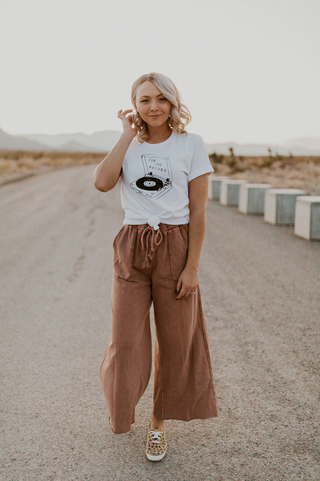 THE ROSWELL WIDE LEG PANT IN RED BEAN