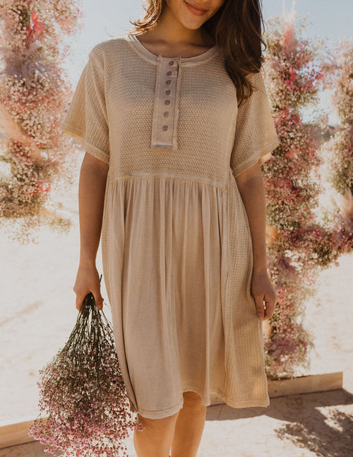 THE COASTLINE KNITTED DRESS IN SAND