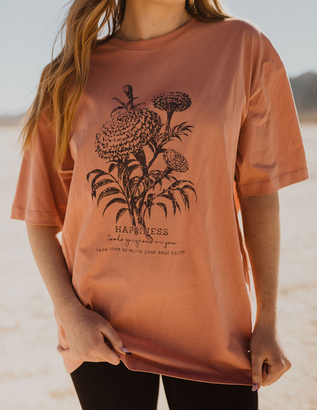THE HAPPINESS FLORAL GRAPHIC TEE IN MAUVE