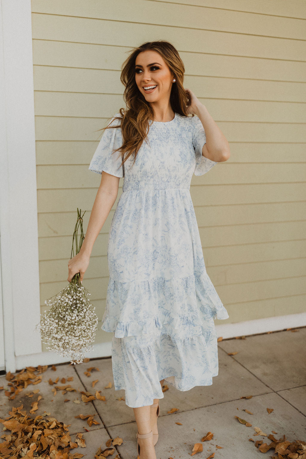 THE NOTHING BUT BLUE SKIES FLORAL MIDI DRESS IN LIGHT BLUE