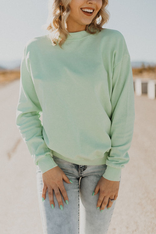 THE THROWBACK PULLOVER IN NEON SAGE
