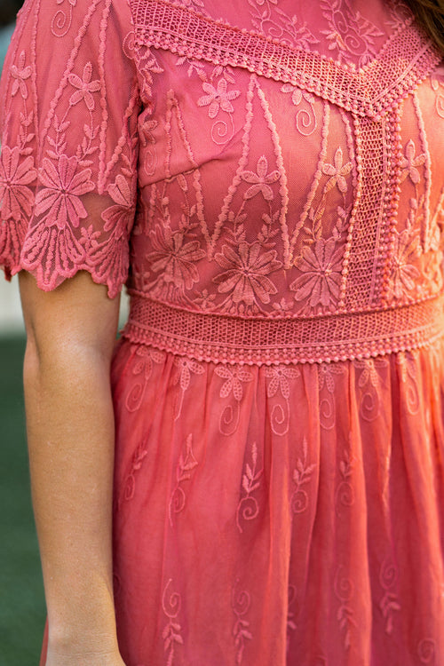 THE JOLIE LACE MIDI DRESS IN CORAL