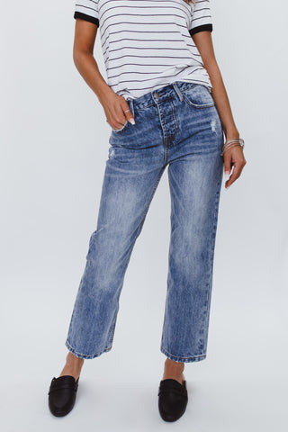 THE DESTROYED HEM JEAN IN LIGHT DENIM