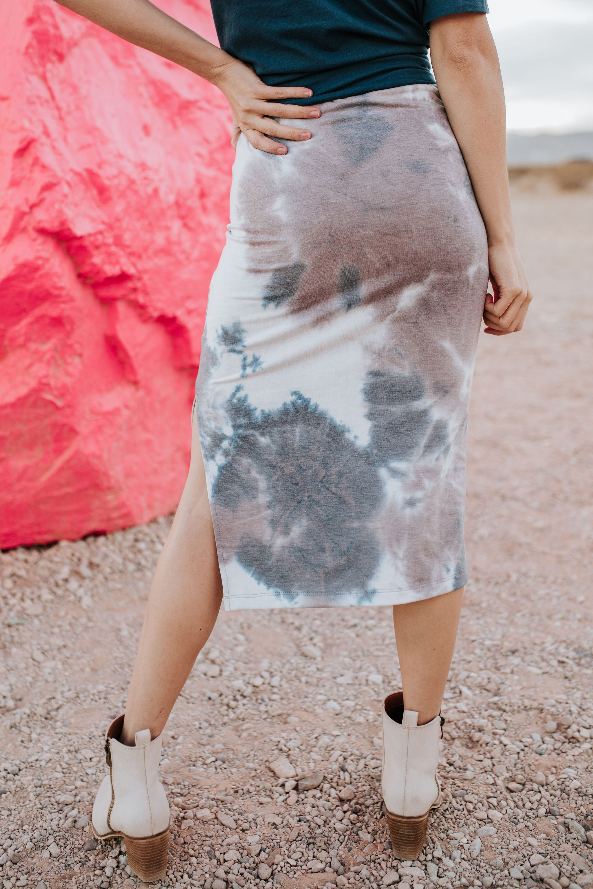 THE MARLEY TIE DYE SKIRT IN MAUVE COMBO