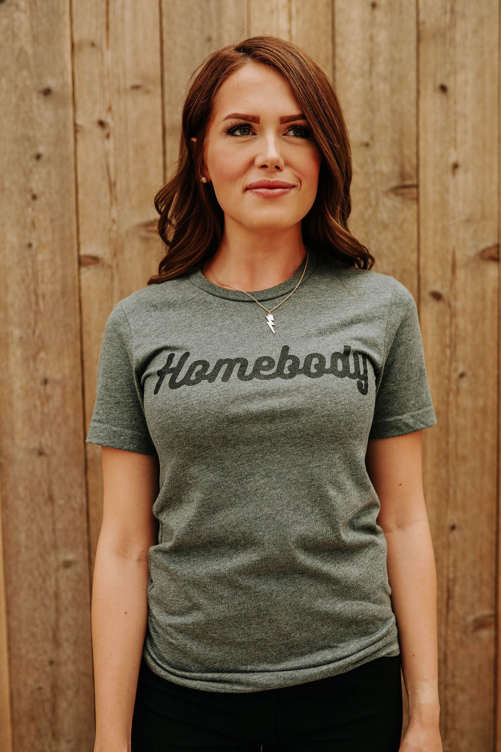 THE HOMEBODY GRAPHIC TEE IN HEATHER GREY