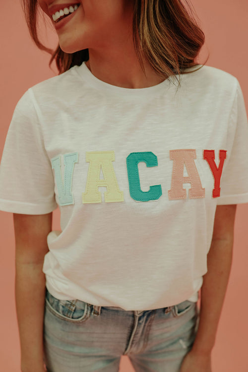 THE VACAY PATCHED TEE IN IVORY