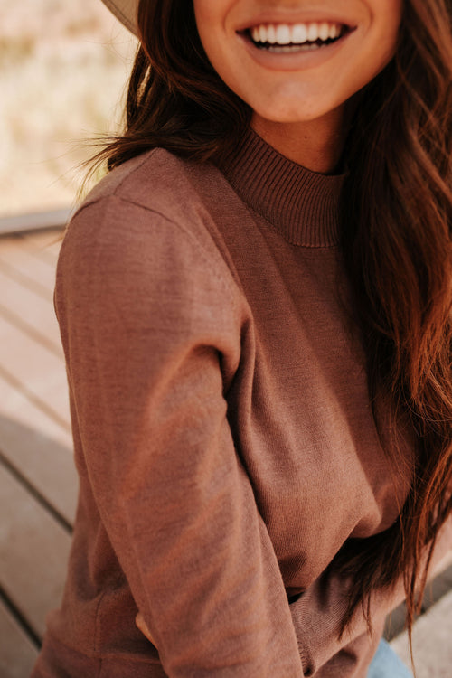THE MANHATTAN MOCK NECK TOP IN MOCHA