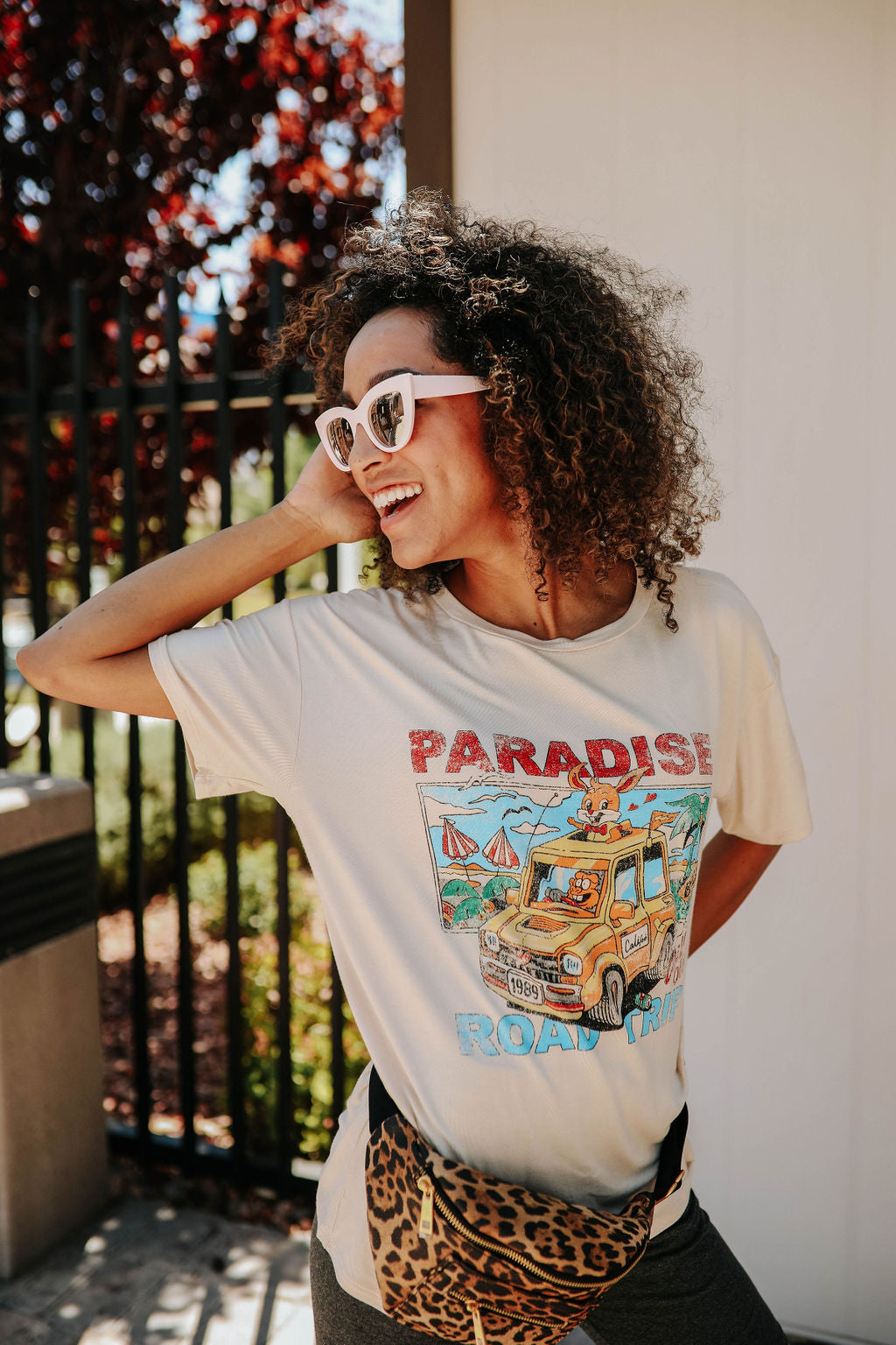 THE PARADISE ROAD TRIP GRAPHIC TEE IN CLAY