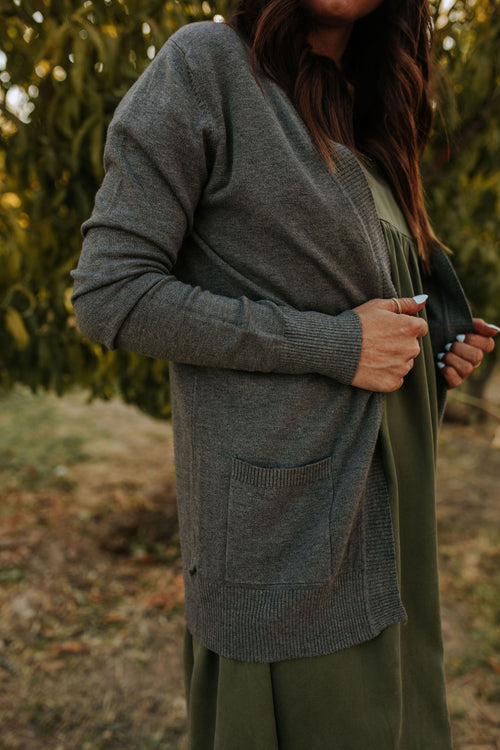 THE OLD SCHOOL CARDIGAN IN CHARCOAL GREY