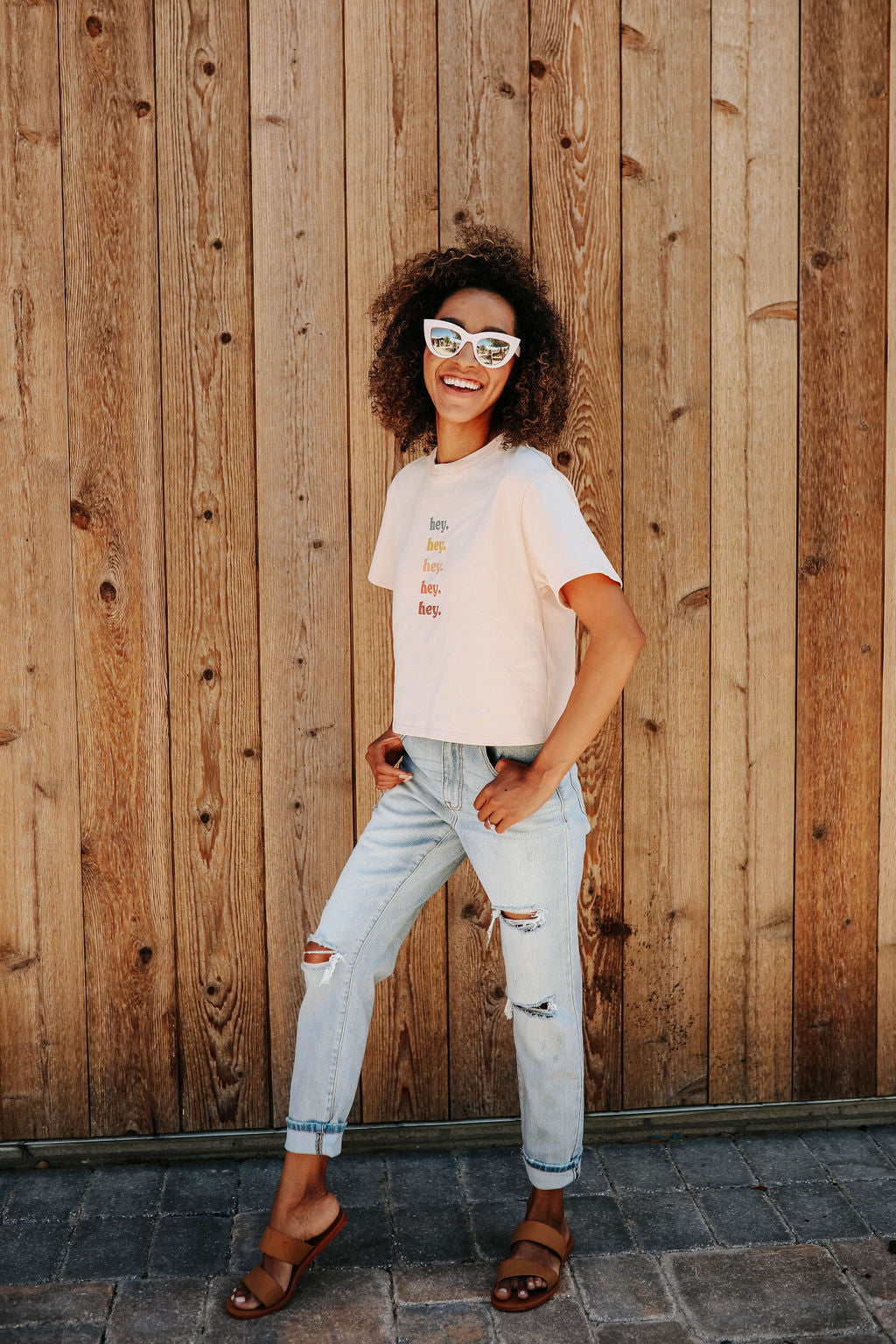 "THE ""HEY"" CROPPED GRAPHIC TEE IN SOFT PEACH"
