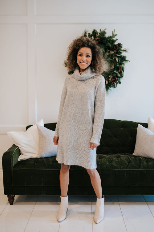 THE HOLLIE TURTLENECK SWEATER DRESS IN HEATHER GREY