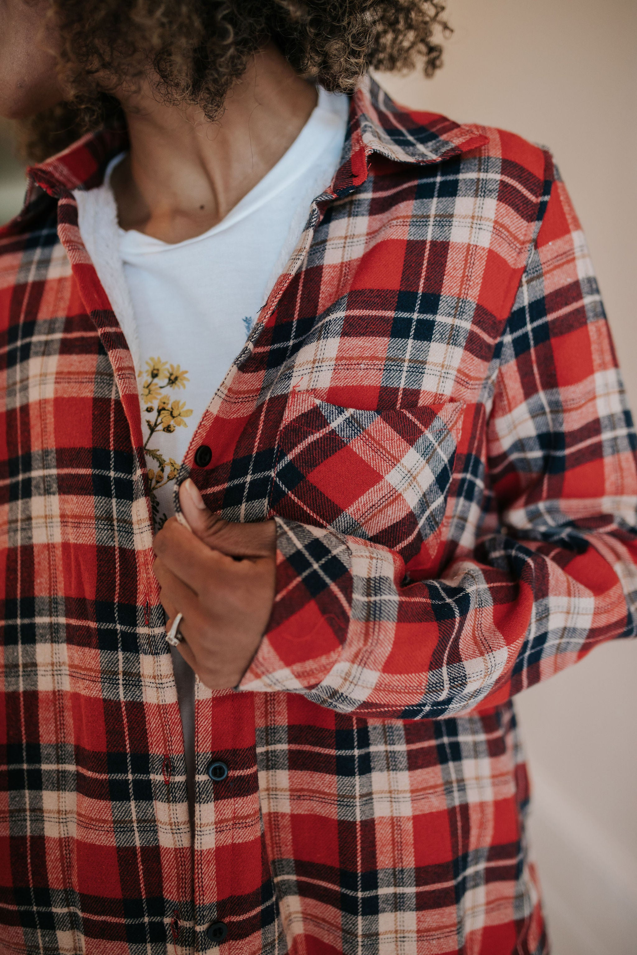 THE FLORENCE FLANNEL IN RED AND NAVY