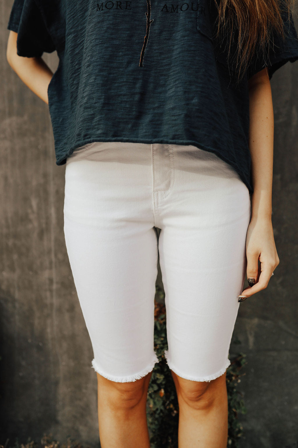 THE STRETCHY HIGH RISE SHORTS IN WHITE