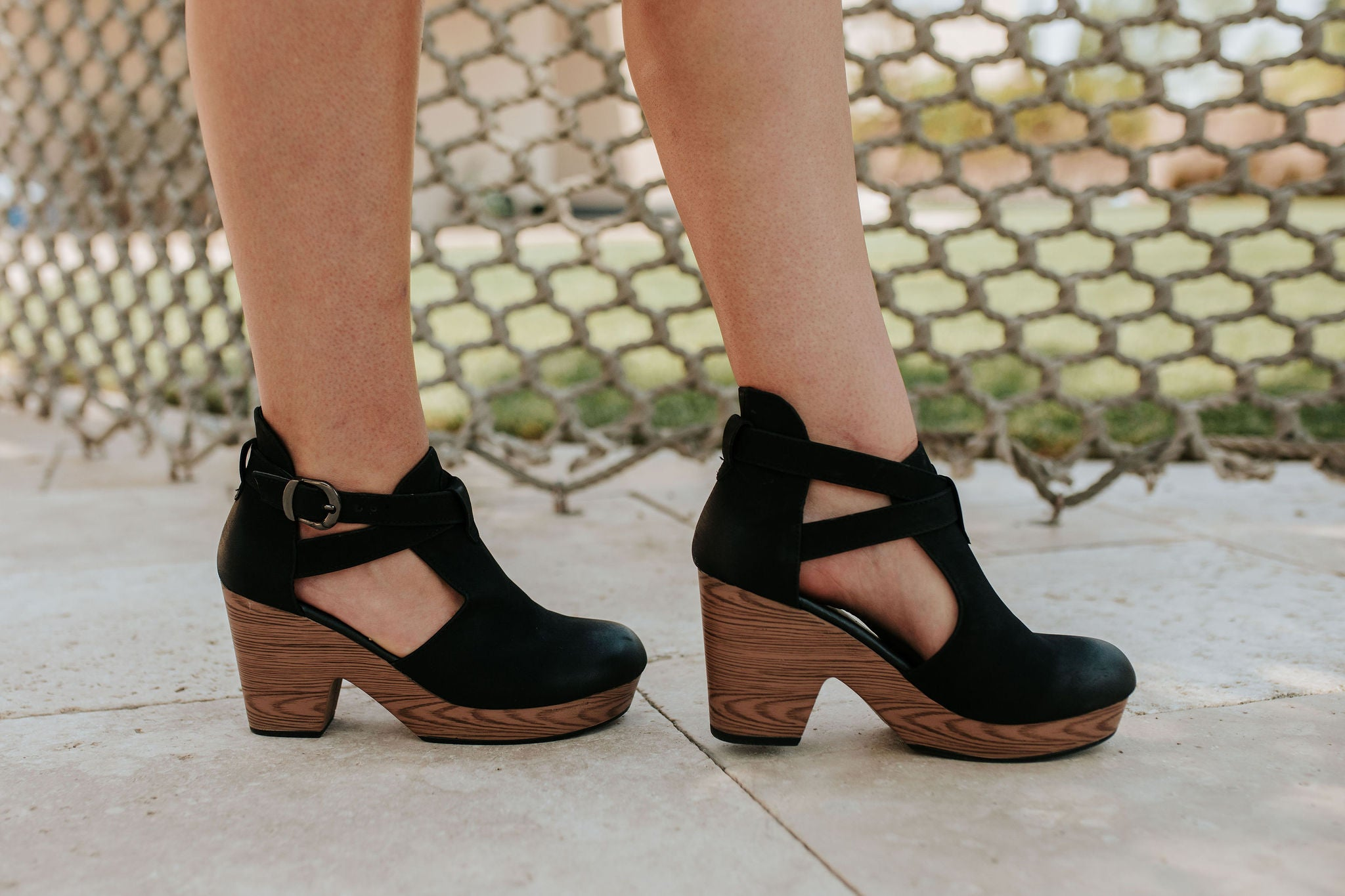 THE PONCE CLOG HEEL IN BLACK