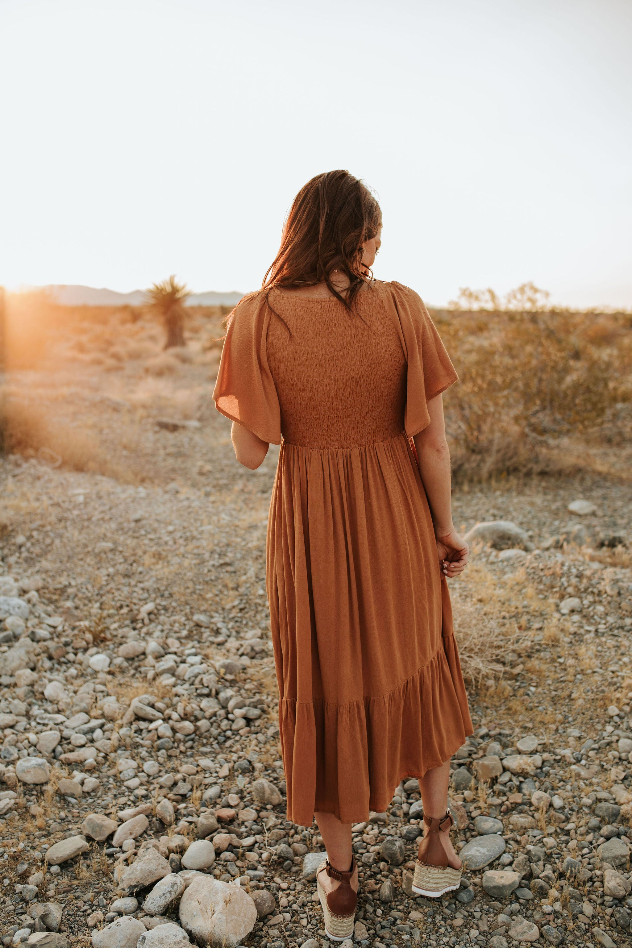 CATCH THE BREEZE MIDI DRESS IN RUSTIC GOLD