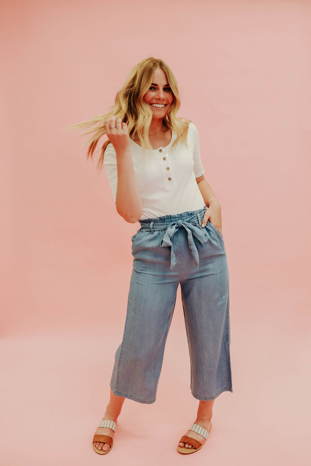 THE CHARLEE PAPER BAG PANT IN CHAMBRAY