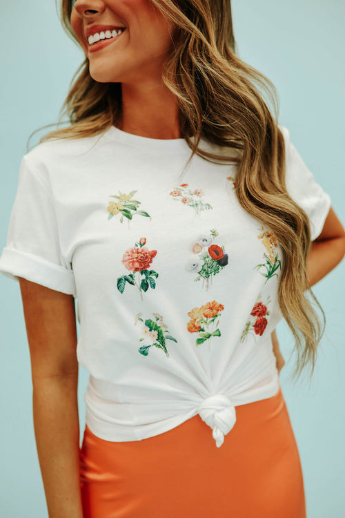 THE LITTLE BOUQUET GRAPHIC TEE IN WHITE