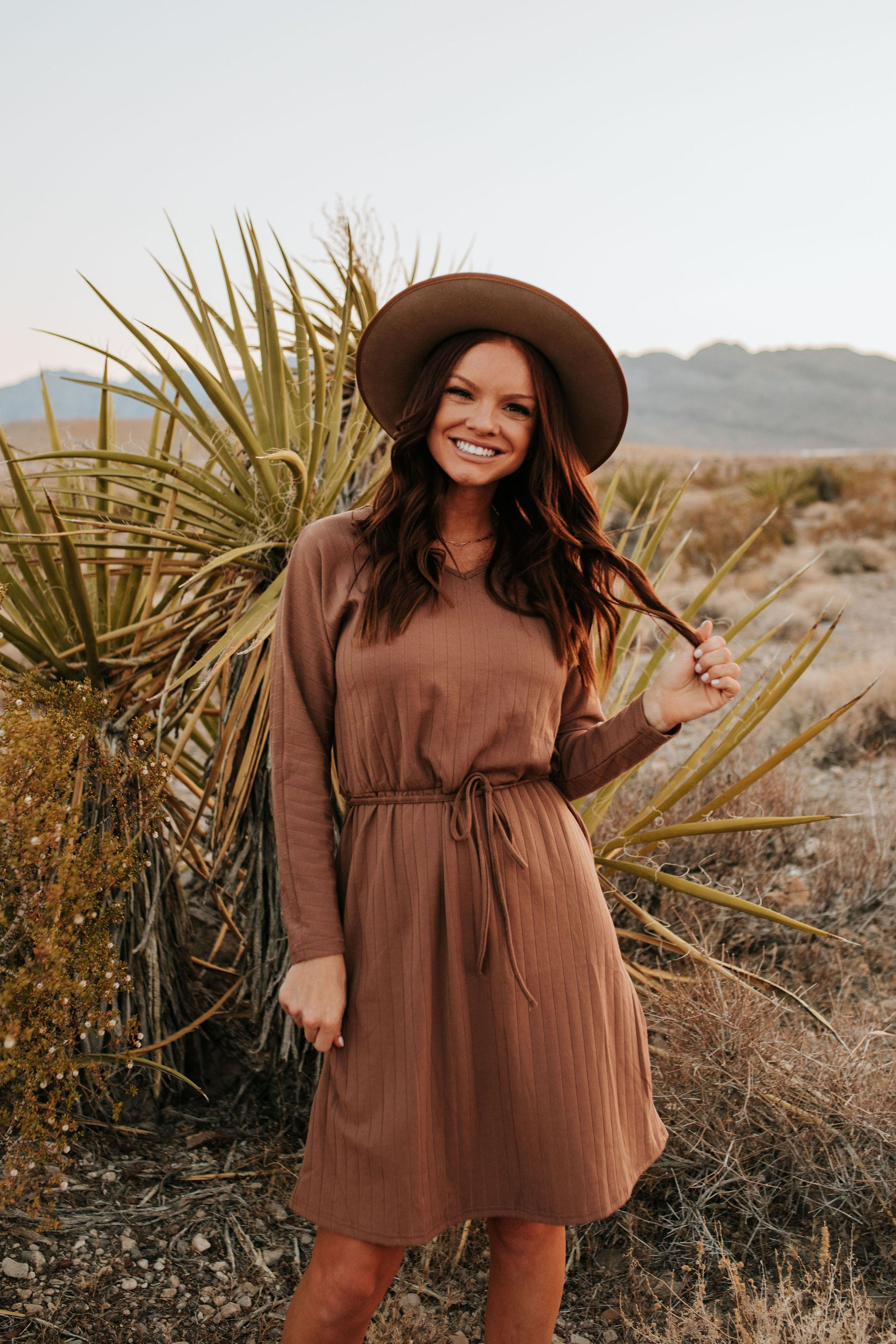 THE PINK DESERT RIBBED SWEATER DRESS IN HOT CHOCOLATE