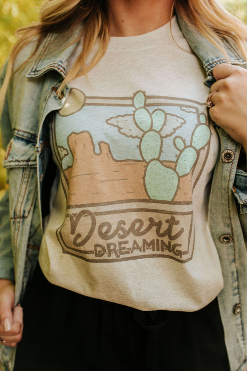 THE DESERT DREAMING GRAPHIC TEE IN OATMEAL