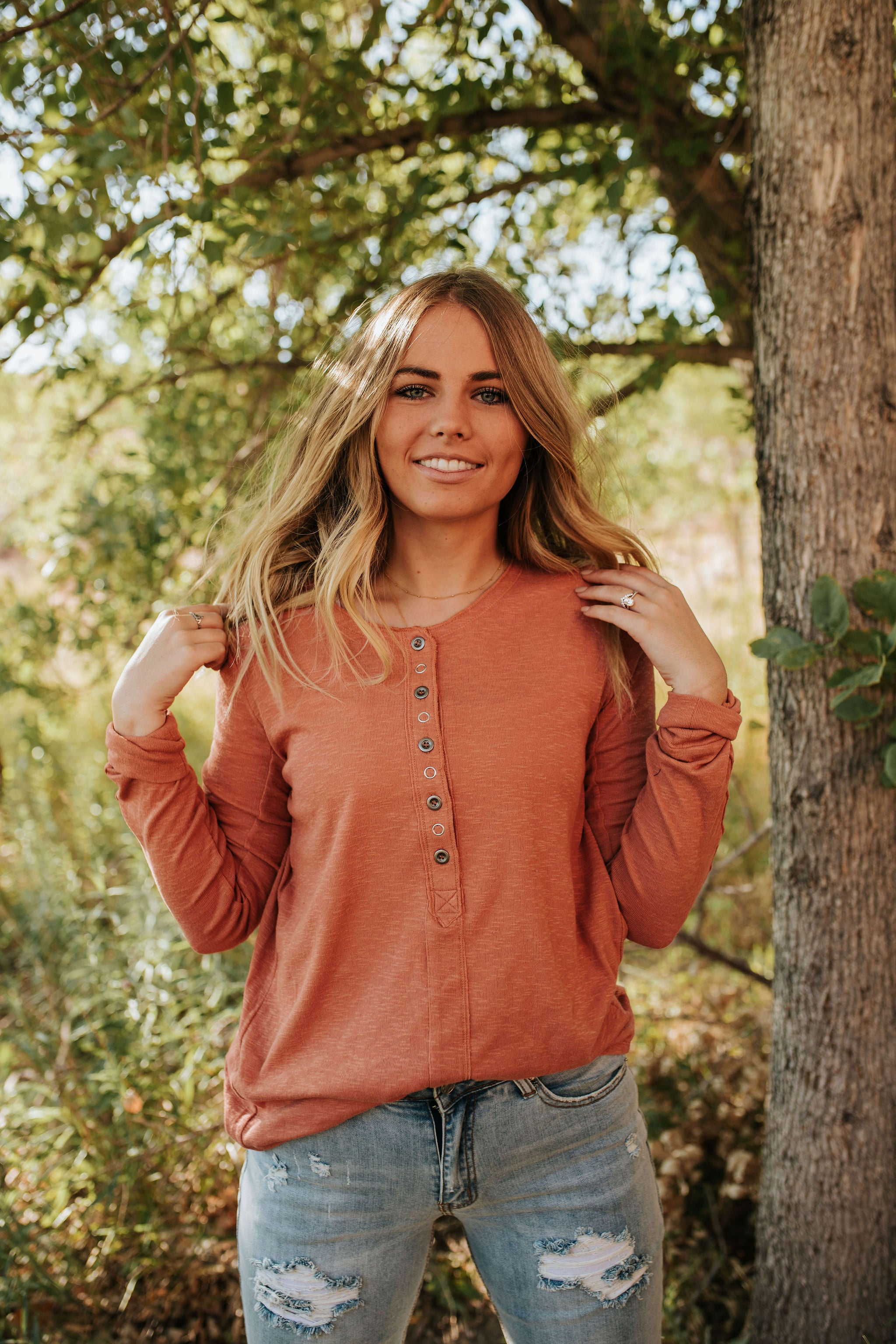 THE MONTEREY BUTTON DOWN TOP IN COPPER TAN