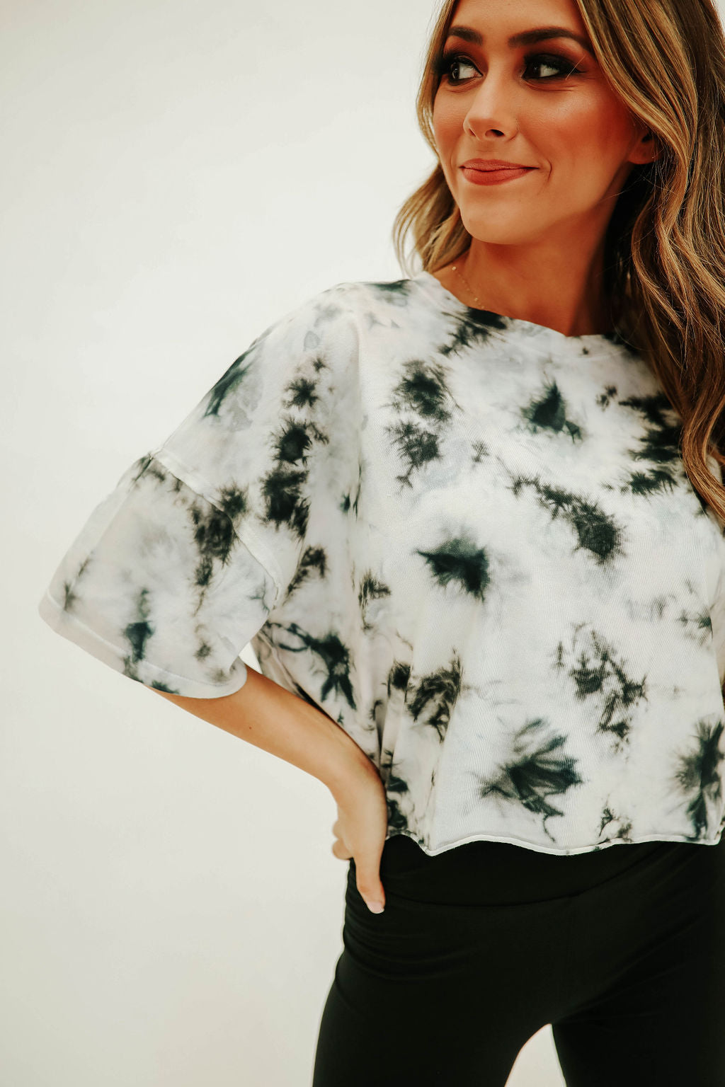 THE NATALIE CROP TOP IN NAVY TIE DYE