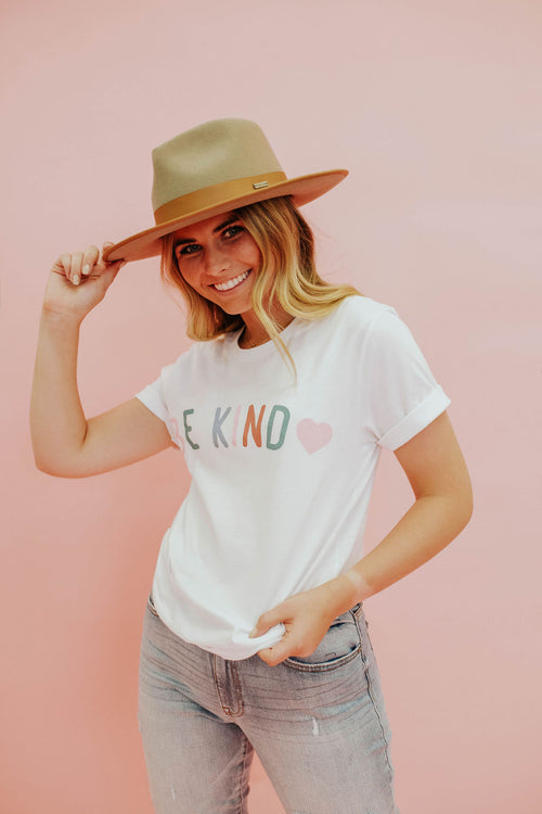 THE SWEET BE KIND GRAPHIC TEE IN WHITE