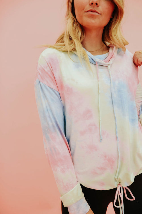 THE TIE DYE PULLOVER IN COTTON CANDY