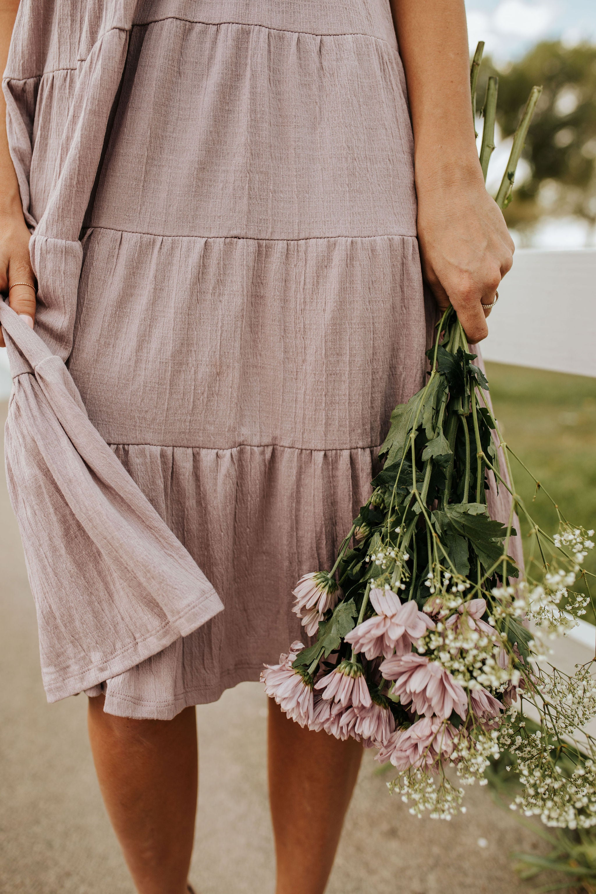 THE LIVELY LADY TIERED MIDI DRESS IN DUSTY LAVENDER