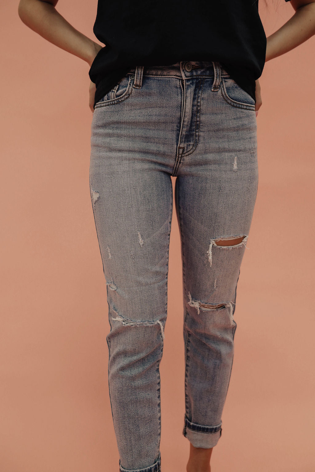 THE TOBI HIGH RISE DISTRESSED JEAN IN LIGHT DENIM