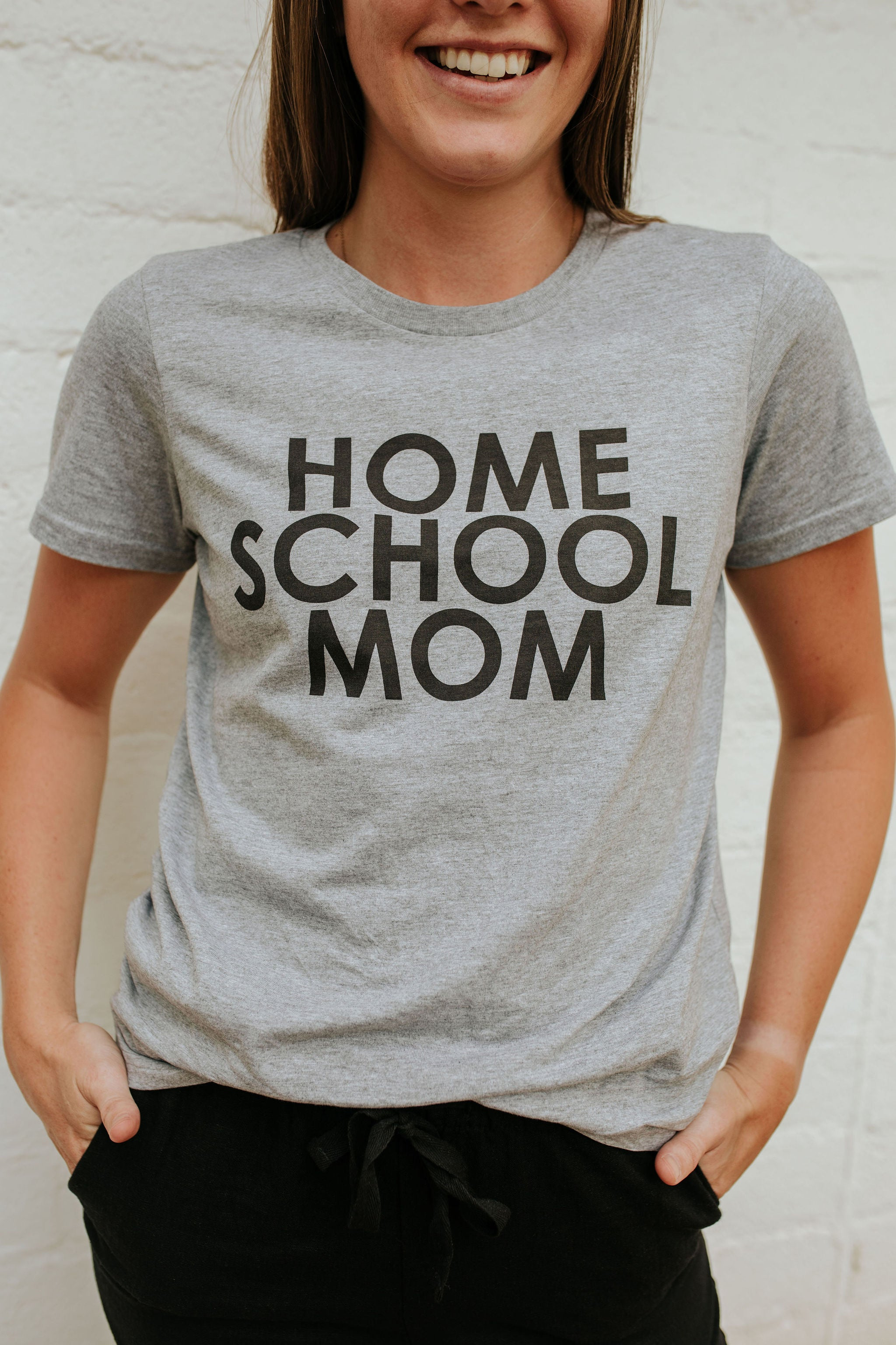 THE HOME SCHOOL MOM GRAPHIC TEE IN HEATHER GREY BY PINK DESERT