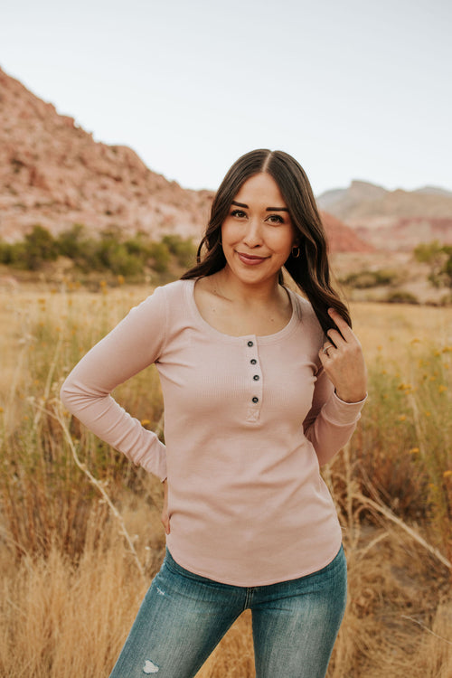 THE WREN WAFFLE KNIT TOP IN MISTY ROSE