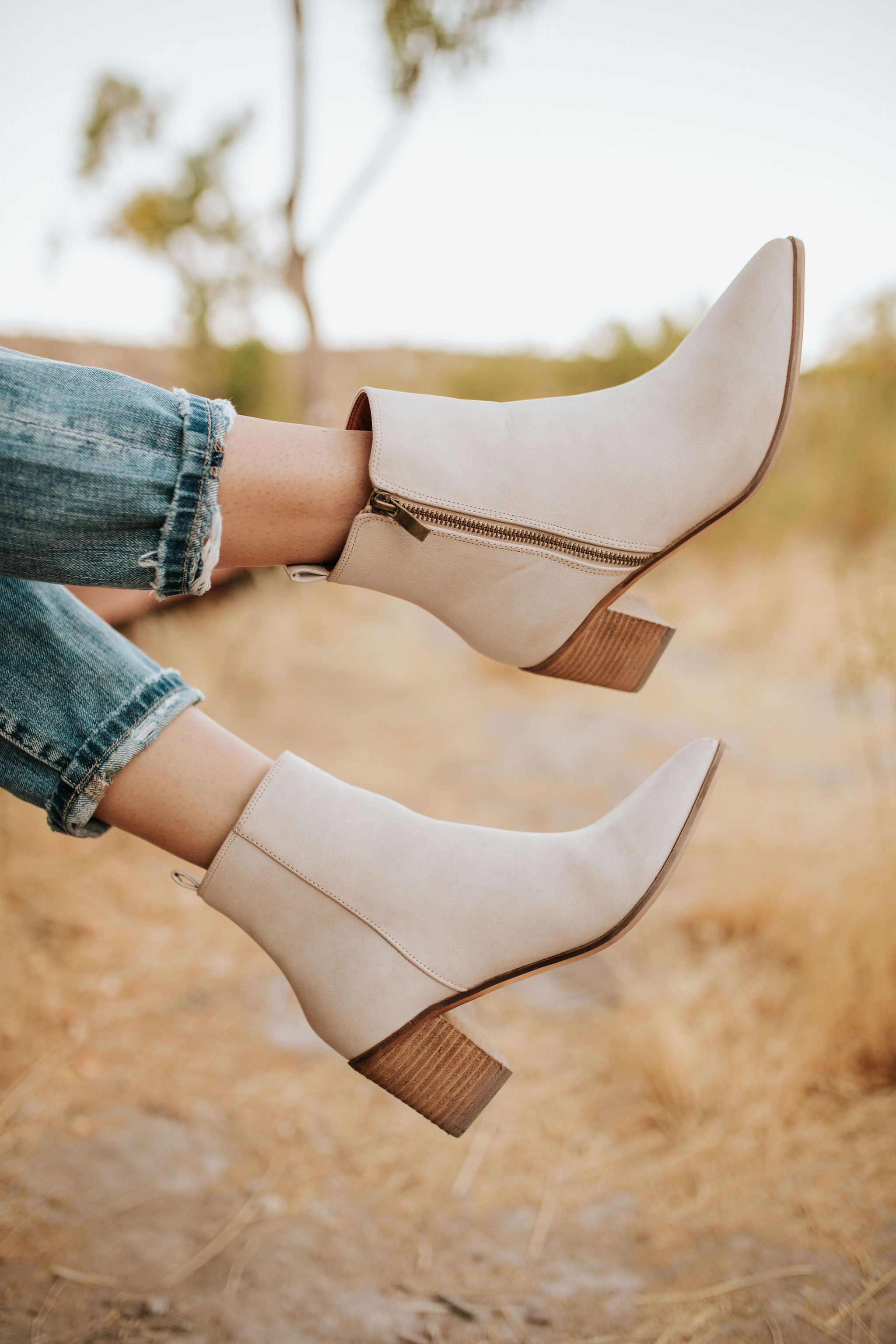 THE ASHER ANKLE BOOTS IN LIGHT TAUPE