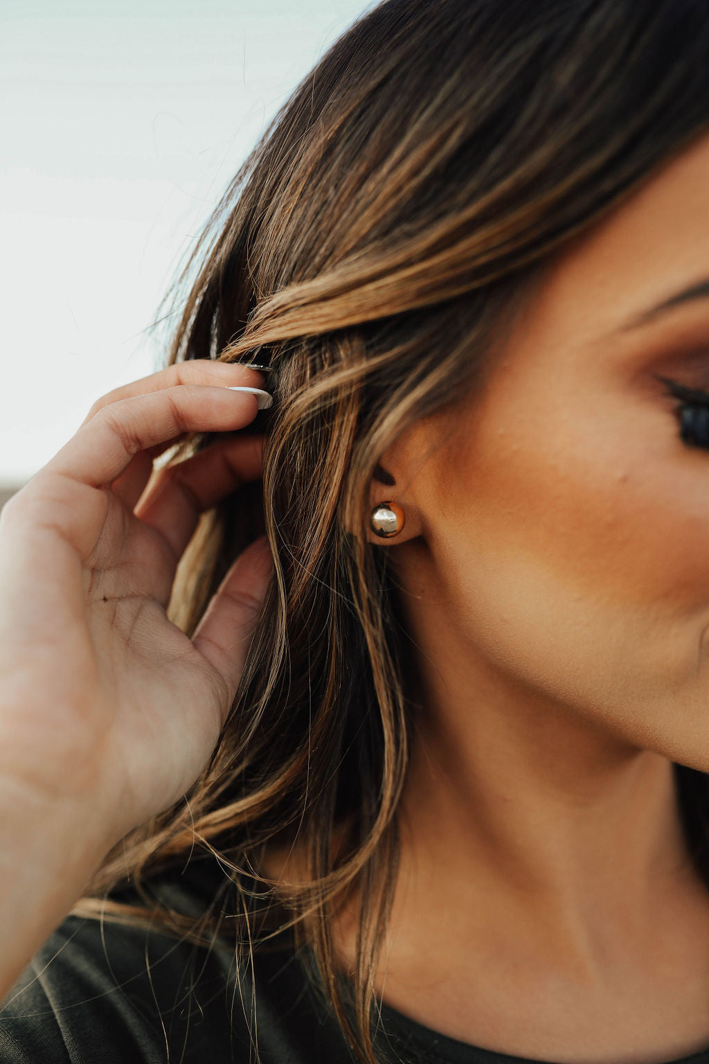 THE BALL STUD EARRING IN GOLD