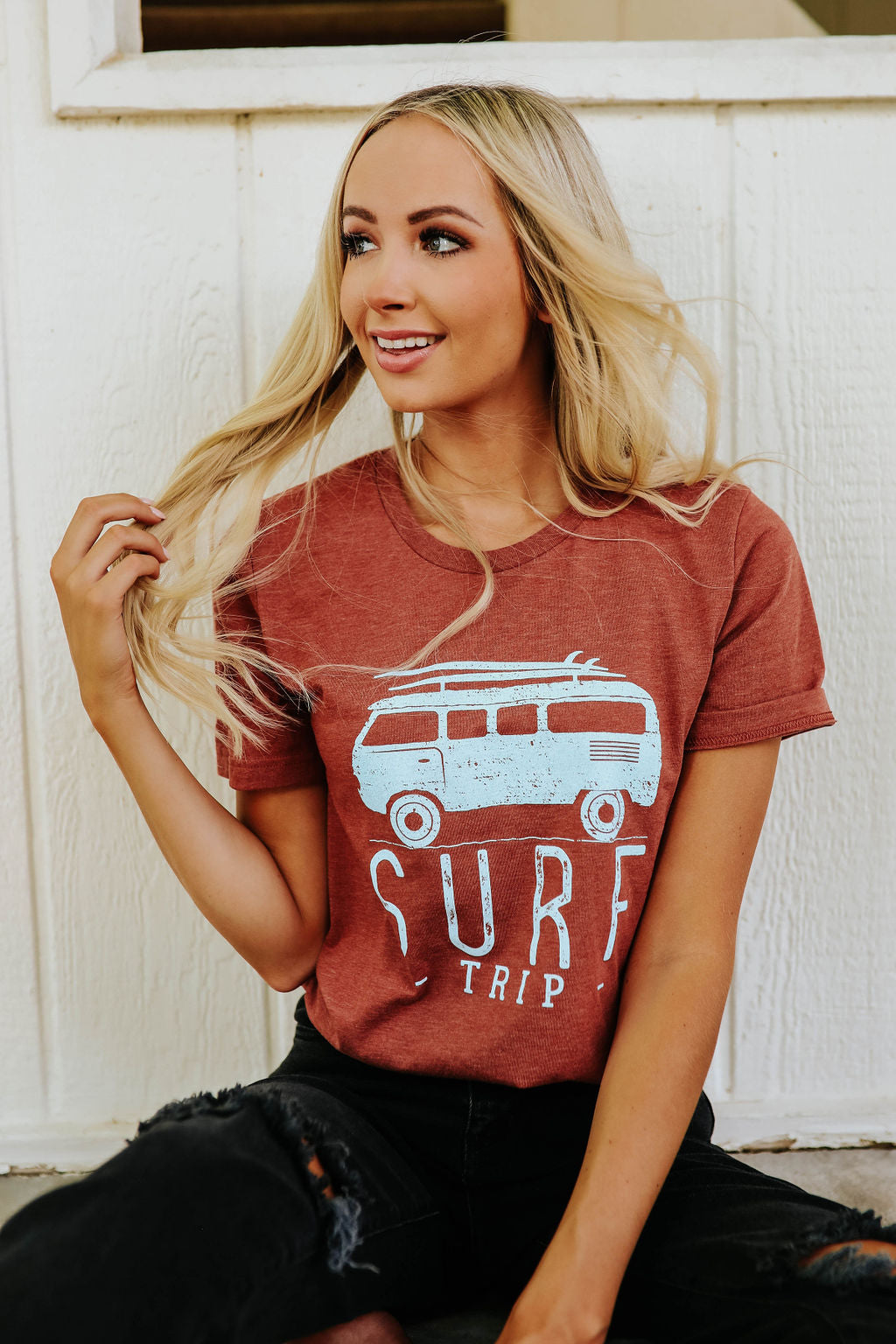 THE SURF TRIP GRAPHIC TEE IN HEATHER CLAY