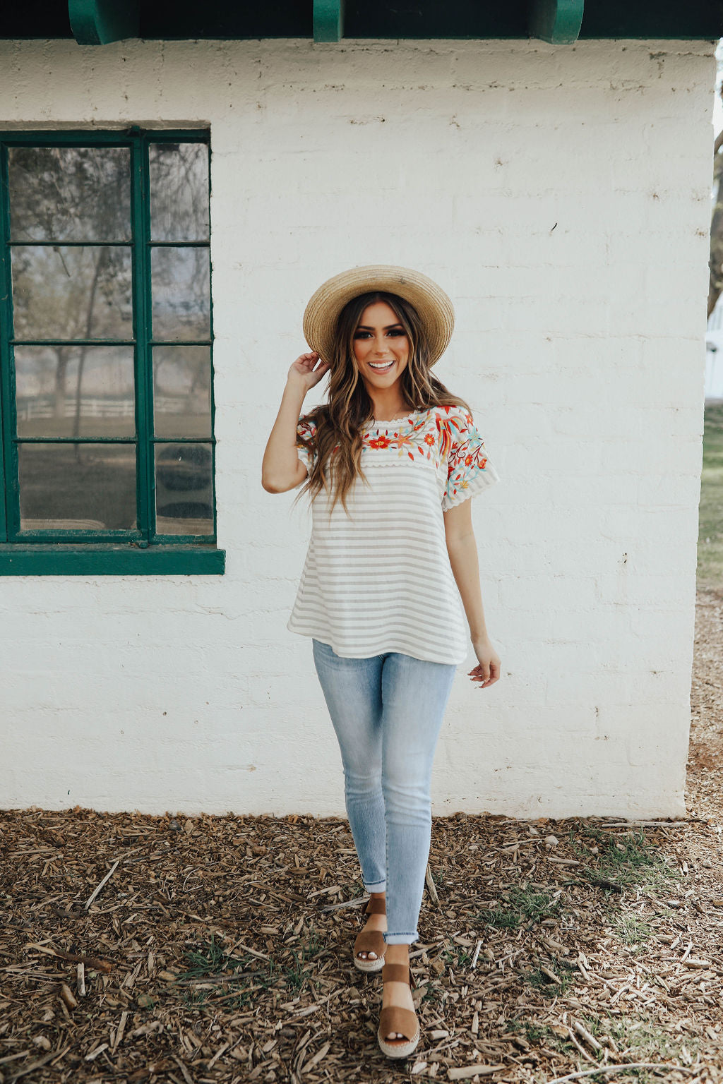 THE SAVANNA JANE EMBROIDERED TOP IN LIGHT GREY