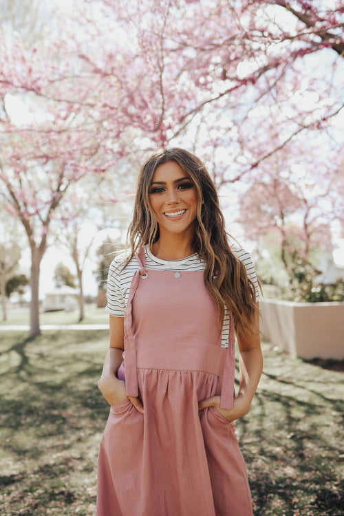 THE MARIANNE OVERALL DRESS IN MAUVE
