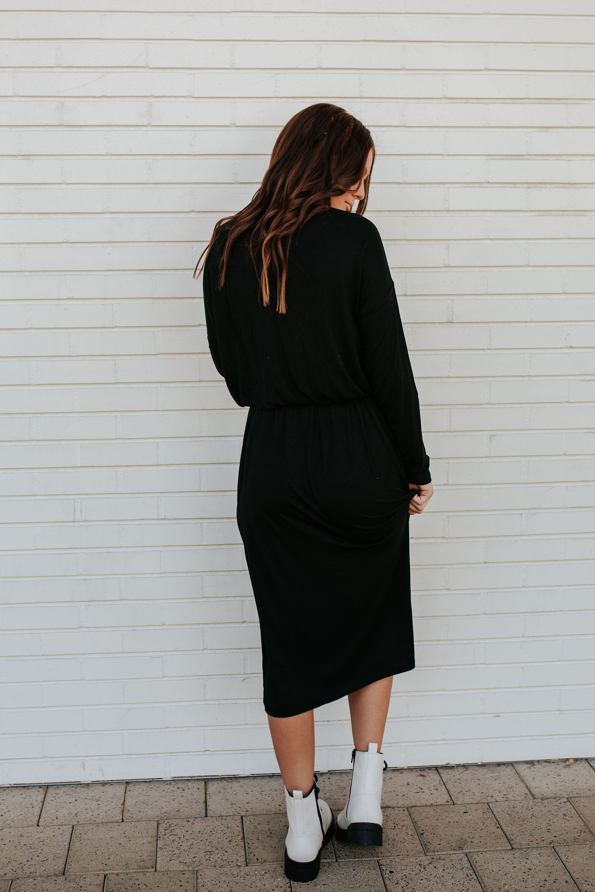THE LESS IS MORE MIDI HENLEY DRESS IN BLACK