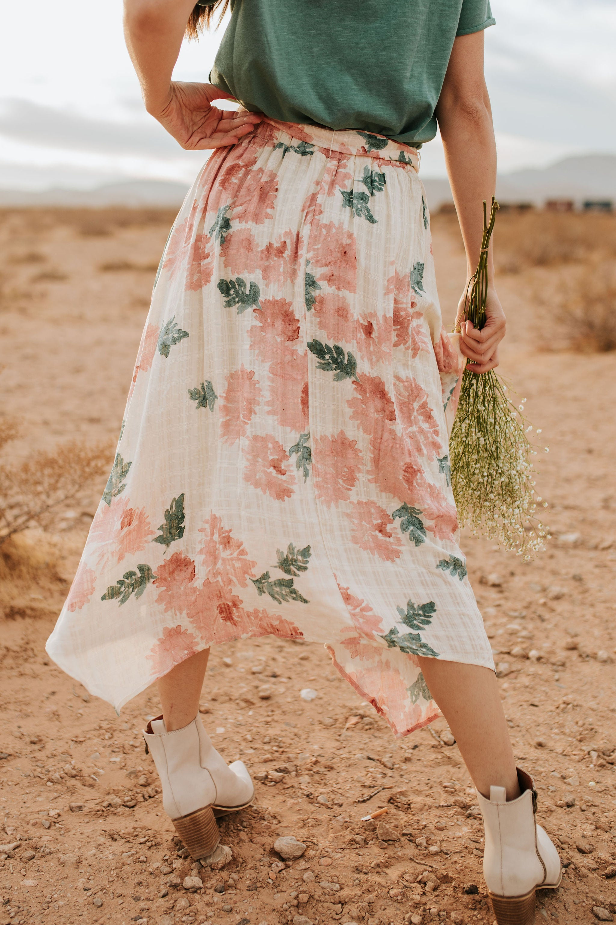 THE FLOWER BED FLORAL SKIRT IN CREAM
