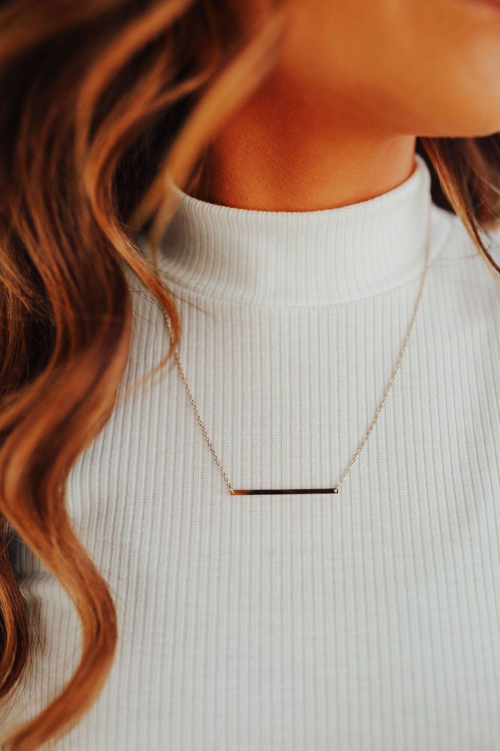 THE THIN BAR NECKLACE IN GOLD