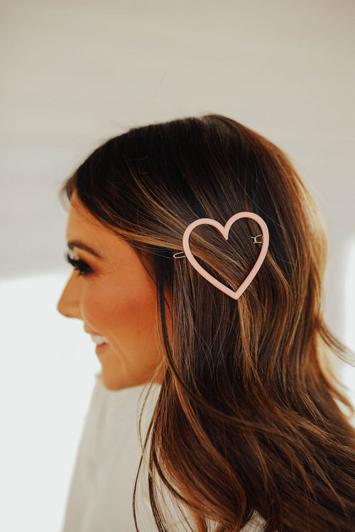THE HEART HAIRPIN IN PINK