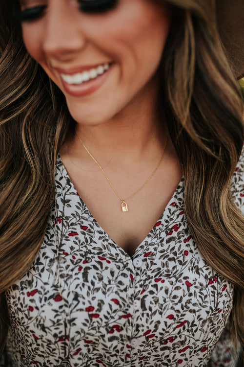 THE LOCKET NECKLACE IN GOLD