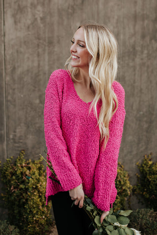 THE KNITTED HEART SWEATER IN BUBBLEGUM PINK
