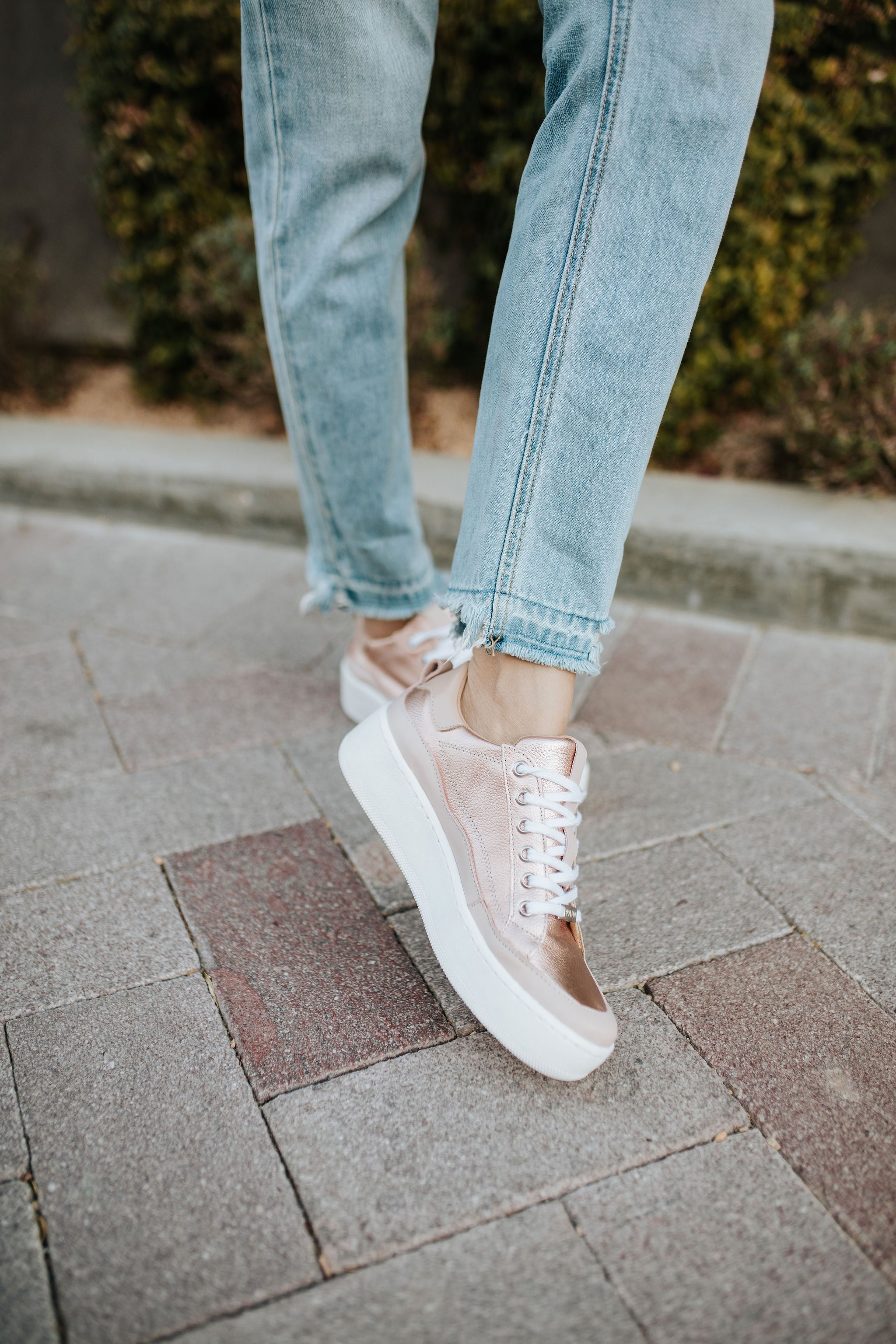 THE ESMI PLATFORM SNEAKER IN ROSE GOLD