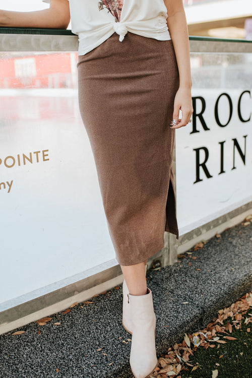 THE MELIA FITTED MIDI SKIRT IN MOCHA