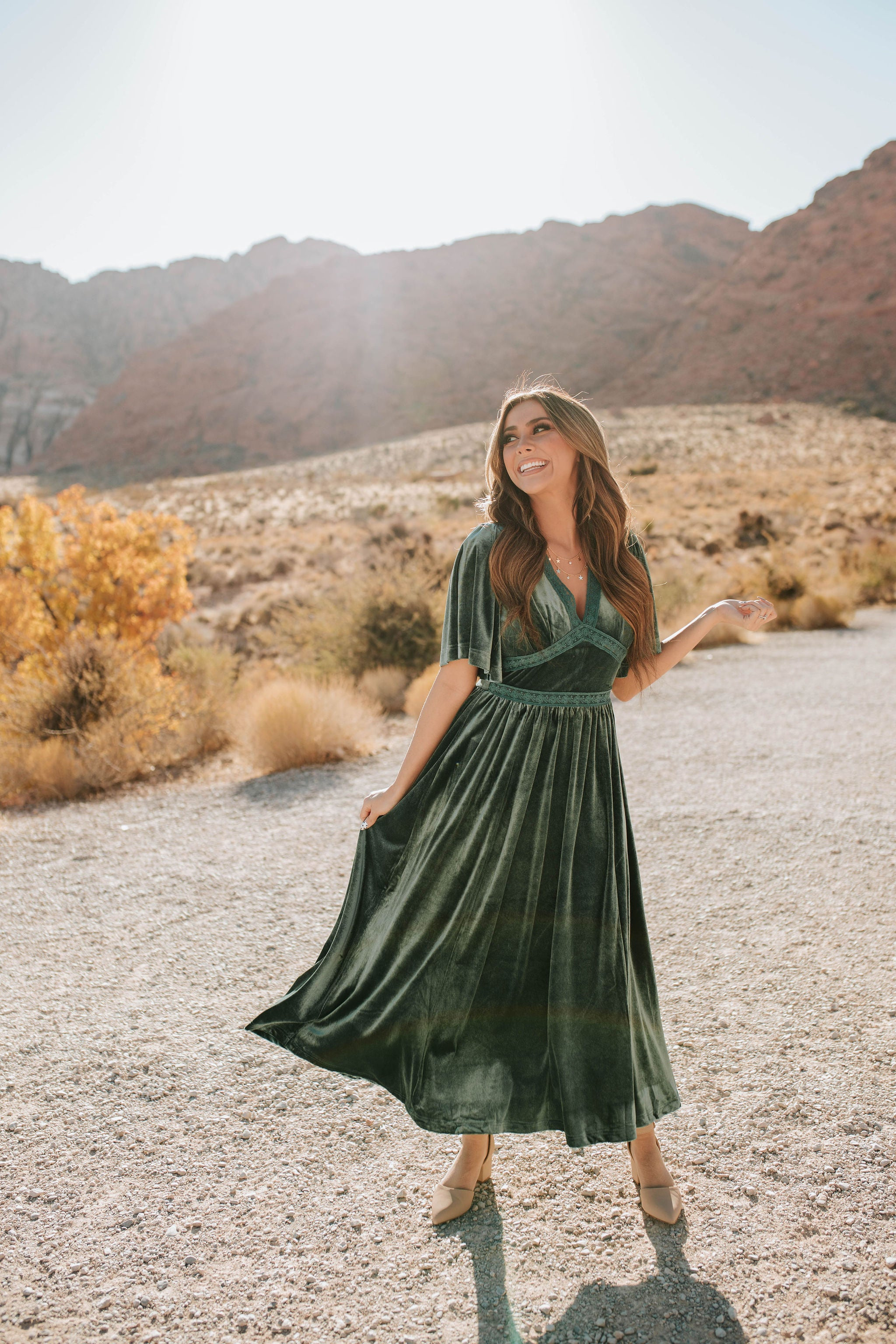 THE AUGUST LACE VELVET MIDI DRESS IN EMERALD