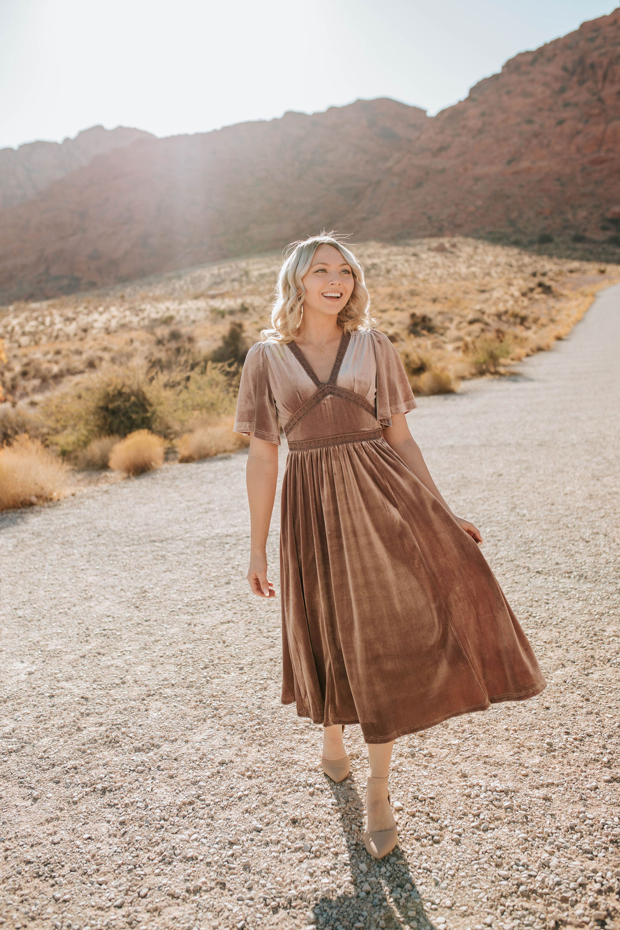 THE AUGUST LACE VELVET MIDI DRESS IN DUSTY MAUVE